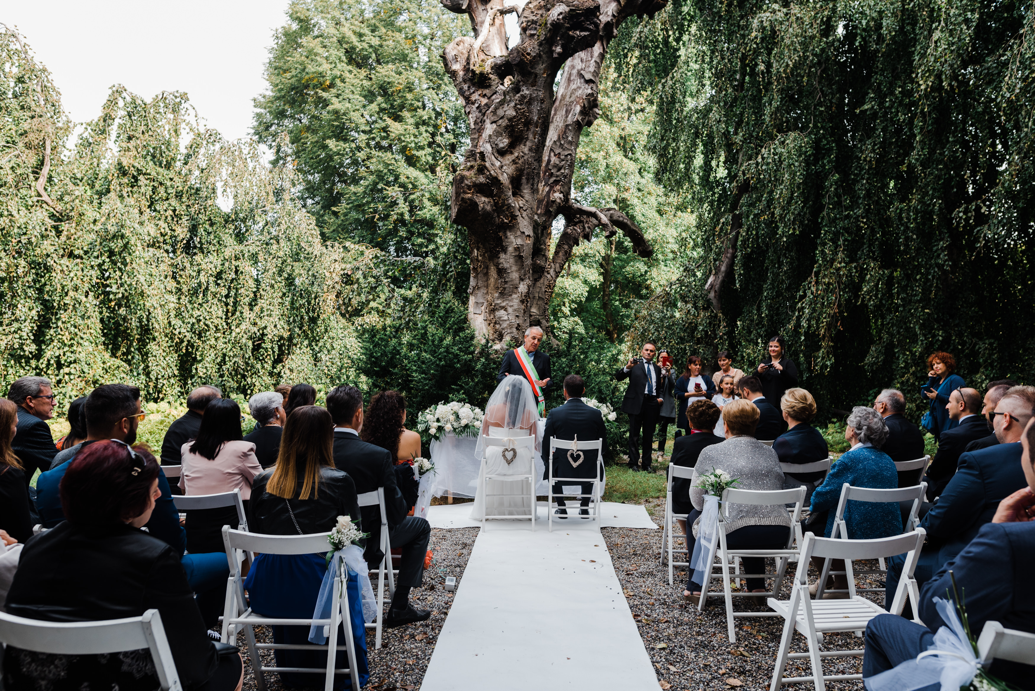 Wedding in Montevecchia, Matrimonio in Montevecchia. Wedding Italo-Mexical, Wedding in Italy with wine and Mariachi